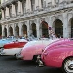 Bunte Oldtimer in Havanna